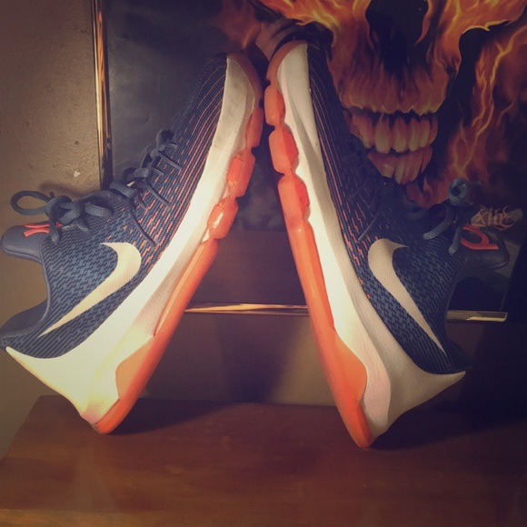 low priced 4aede 63075 Used Nike kd 8 basketball shoes, very comfortable